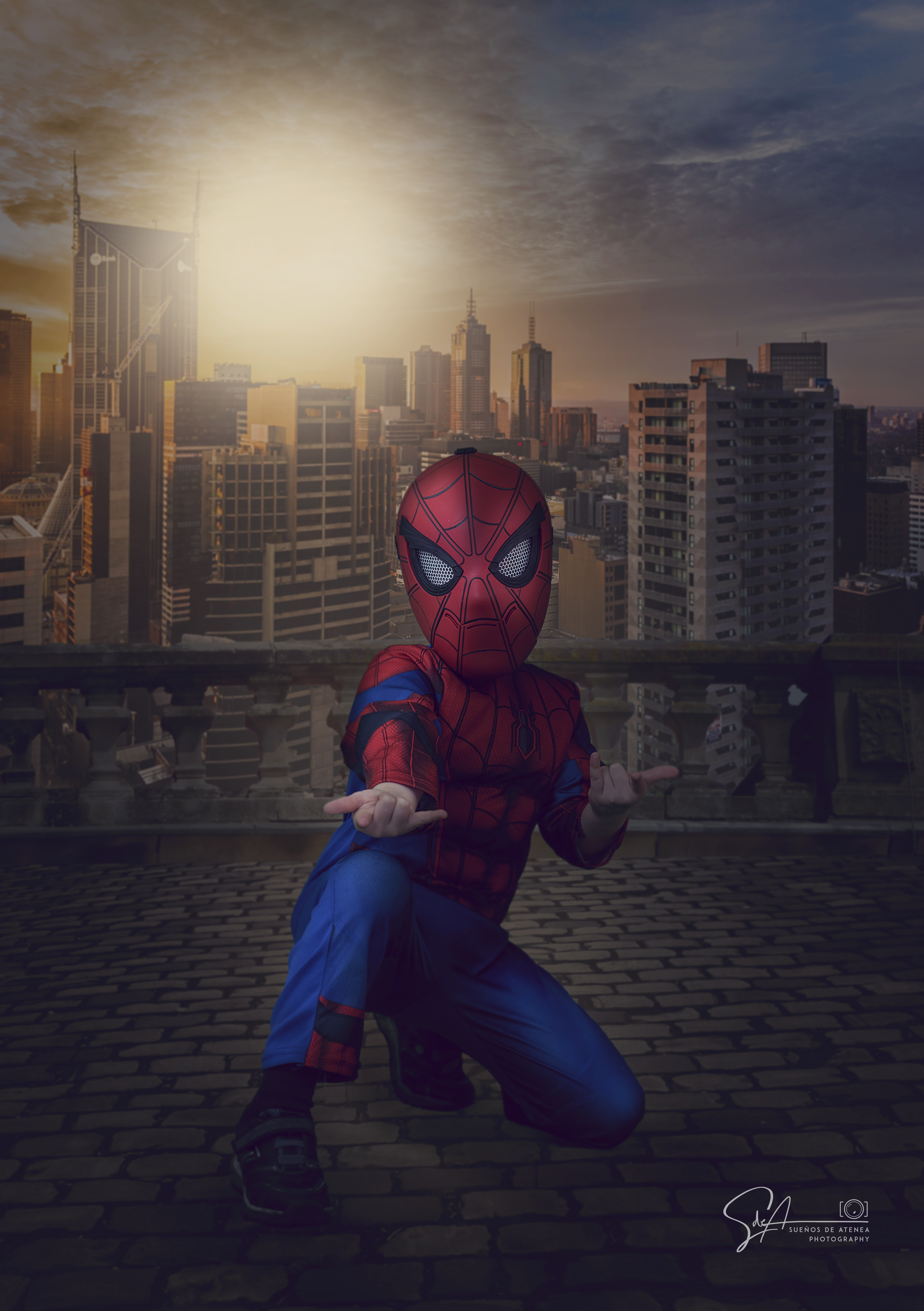 """<span  class=""""uc_style_uc_tiles_grid_image_elementor_uc_items_attribute_title"""" style=""""color:#ffffff;"""">SPIDERMAN</span>"""